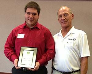 SCC John Deere Tech student receives award